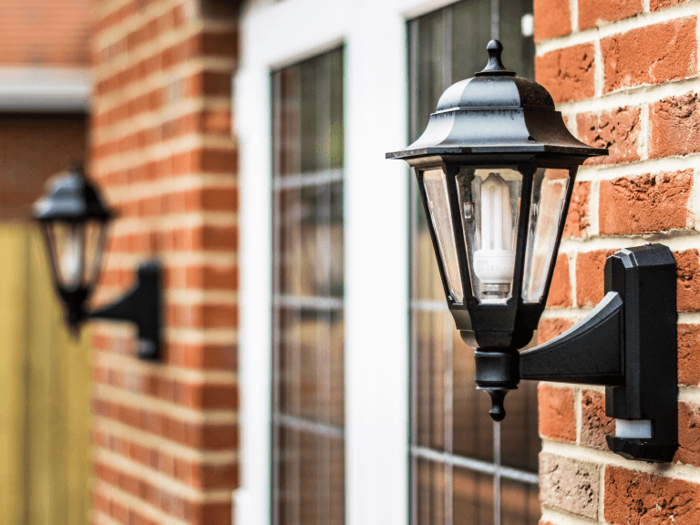 how lighting can add texture to your home's exterior